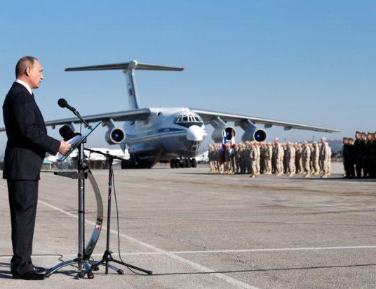 Οι Ρώσοι στρατιώτες επιστρέφουν νικητές από τη Συρία